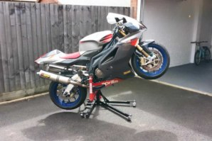 abba Sky Lift fitted to Aprilia RSV1000