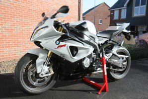 abba Superbike stand on BMW S1000RR