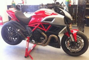 abba Stand on Ducati Diavel