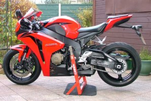 abba Superbike Stand on Honda Fireblade