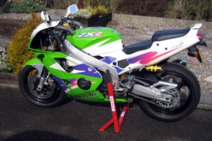 abba Stand on Kawasaki ZXR400
