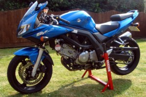 abba Superbike Stand on Suzuki SV650