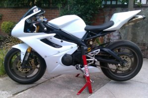 abba Superbike Stand on Triumph Daytona