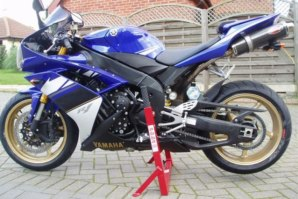 abba Superbike Stand on Yamaha R1