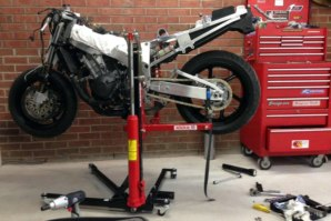 abba Sky Lift used for Honda Fireblade rear end removal pt. 1