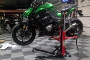 Kawasaki ZZR1400 on abba Sky Lift