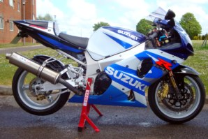 abba Superbike Stand on Suzuki GSXR1000