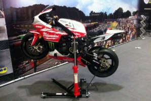 Josh Brooks 2014 Milwaukee Yamaha R1 Race bike on the abba Sky Lift