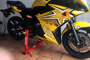abba Superbike Stand on Yamaha XJ6 FZ6R