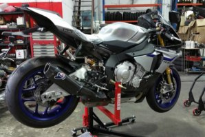 Yamaha R1M on abba Sky Lift